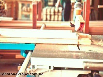 Работа в Латвии на производстве дверей